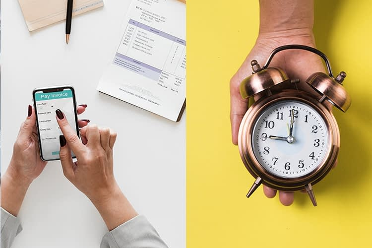 Uma mão mexendo no celular e outra segurando um relógio.
